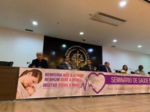 Presidente do COSEMS/MA, Vinícius Araújo, participou da mesa de abertura do Seminário de Saúde Materno-Infantil.